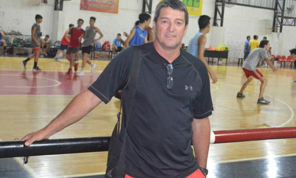 Willy Tuckey, responsable del básquet en San Fernando